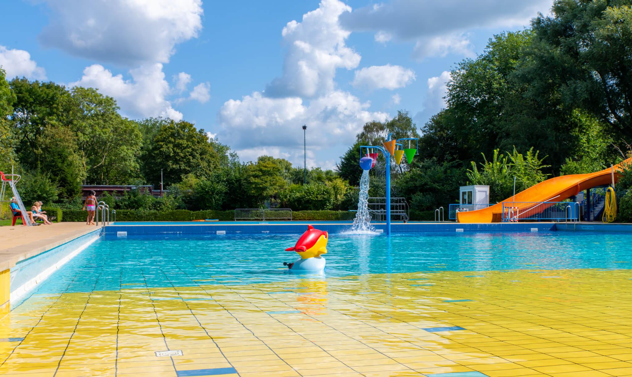 Outdoor Swimming Pool Aalsmeer de Waterlelie