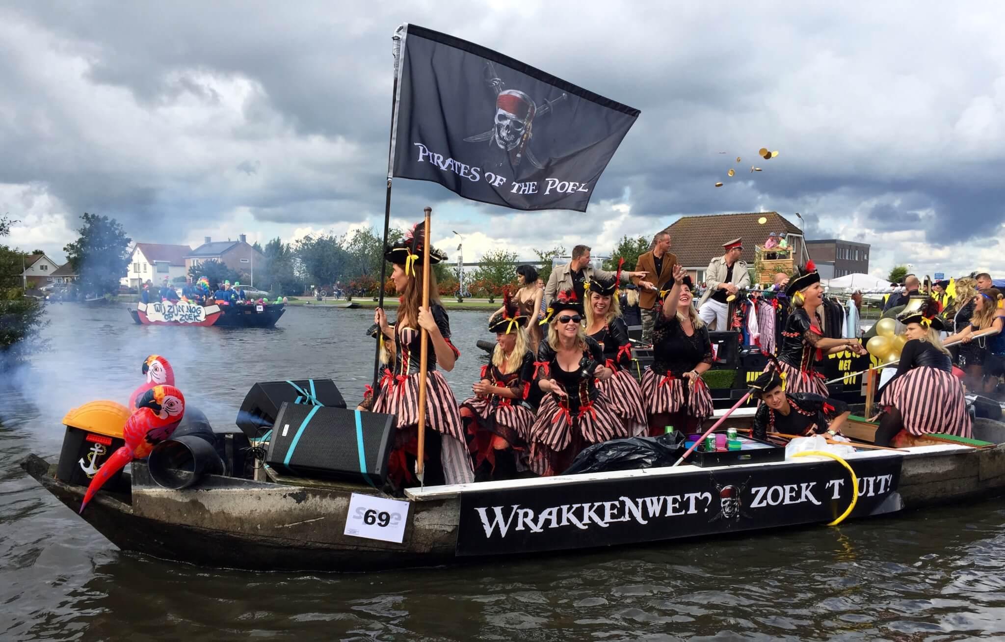 Pramenrace in Aalsmeer tijdens Feestweek Aalsmeer