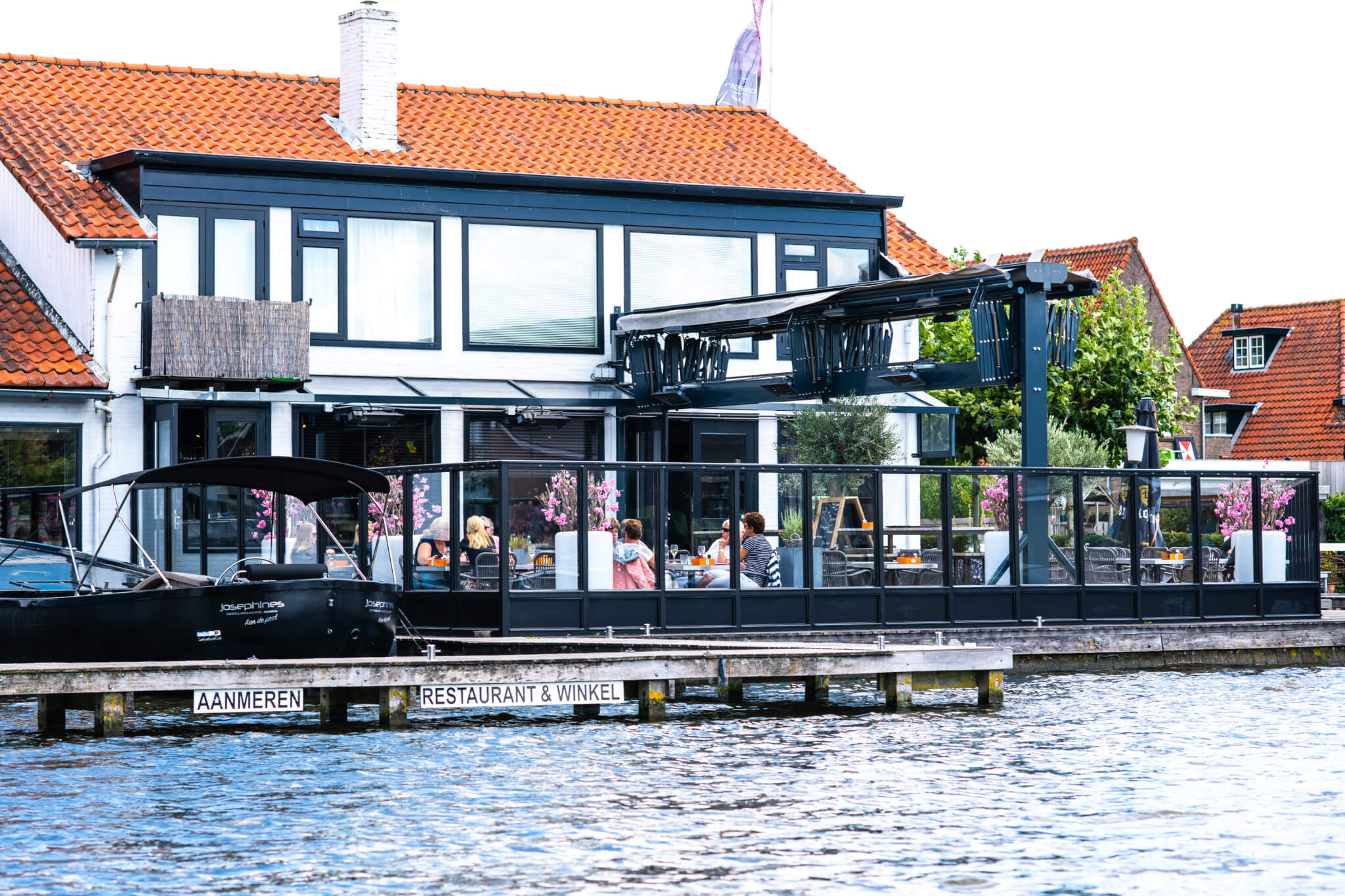 Westeinderplassen - Restaurant - Dutch Lake