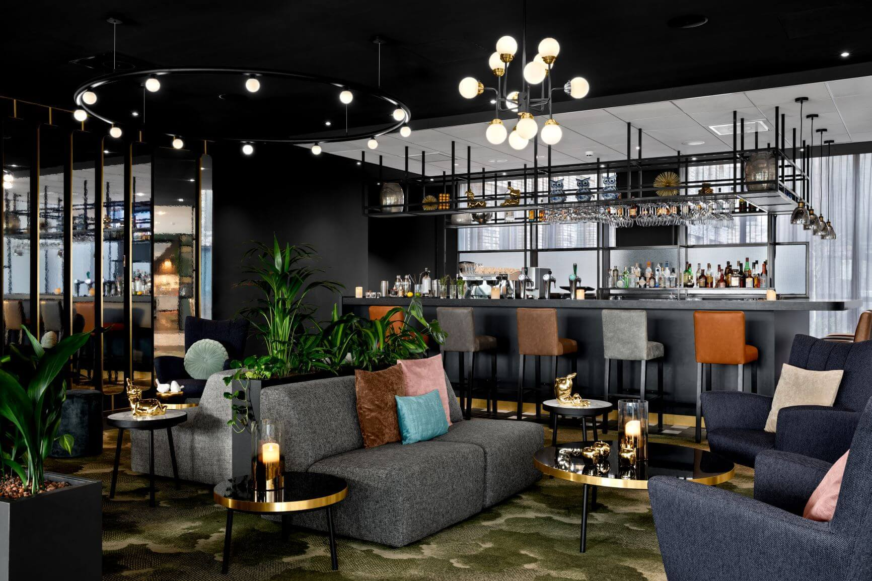 Signature Restaurant and Bloom Bar of Renaissance Hotel Aalsmeer