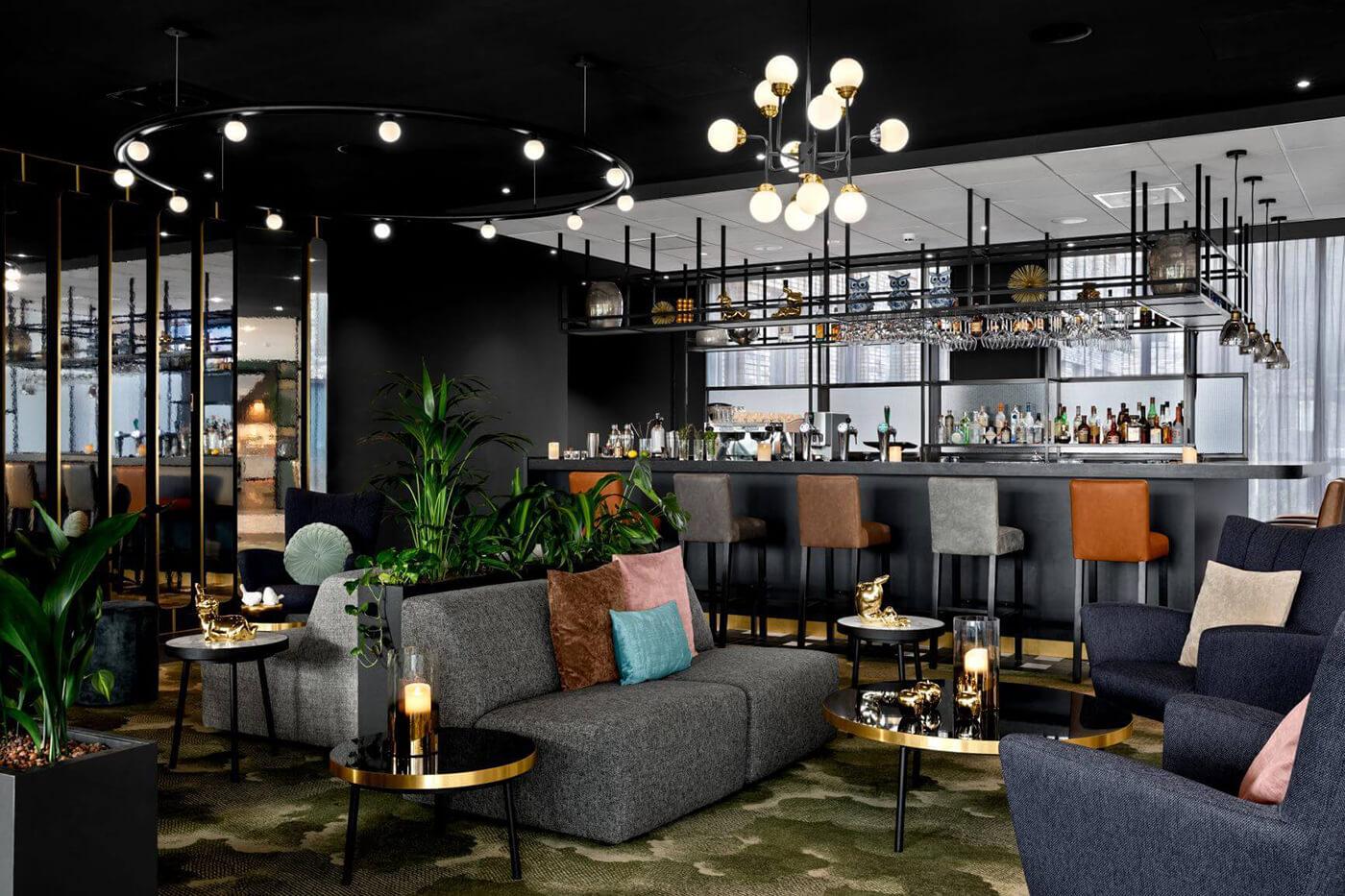 Signature Restaurant & BLOOM Bar